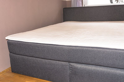 schlafzimmer neu erleben mit einem boxspringbett wohnen. Black Bedroom Furniture Sets. Home Design Ideas