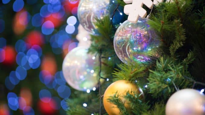 Christbaumschmuck am Weihnachtsbaum