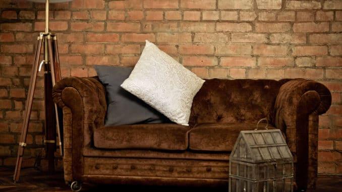 braunes Sofa aus Samt