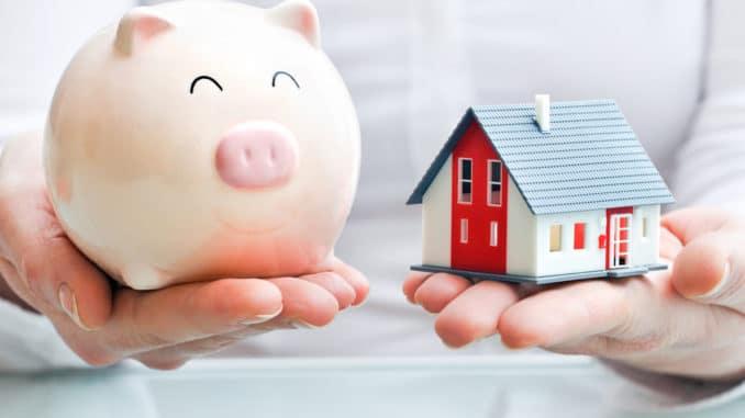 Sparschwein und Mini-Haus