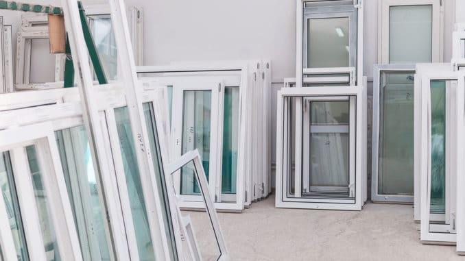 Kunststofffenster in einer Werkstatt